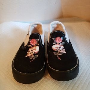 Ed Hardy's canvas shoes Girl's size 1,used